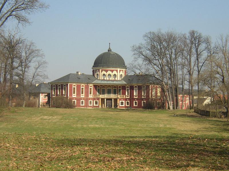Státní zámek Veltrusy